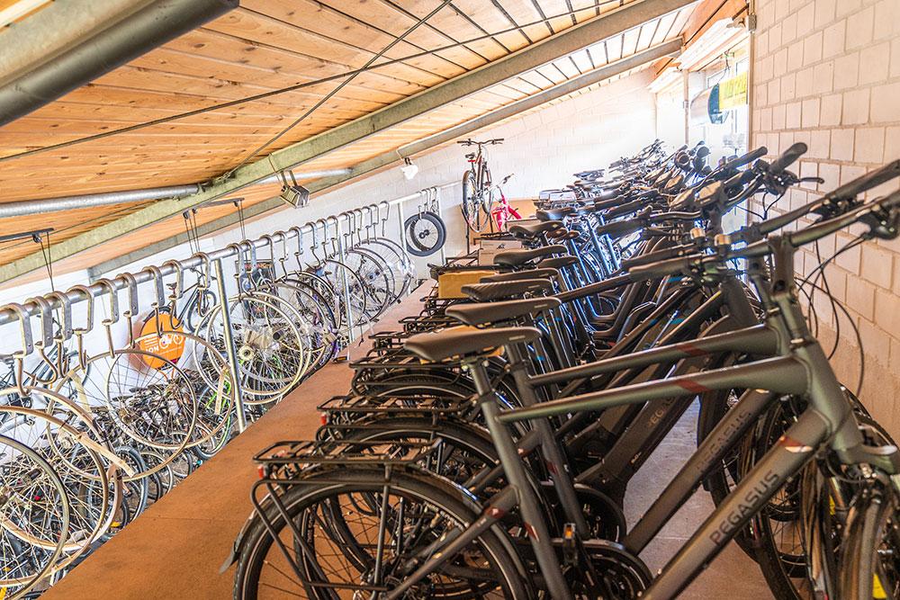 Zweirad Winkelmann | Lager Obergeschoss